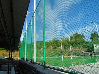 球场围网安装指南